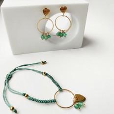 Pulsera y pendientes verdes con tejido macramé y un circulo en acero en el medio, colgando un corazón y 2 piedras de jade