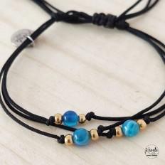 pulsera de triple hilo negro con piedras azules agathas