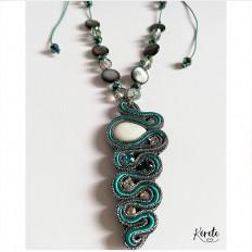 Collar-soutache-verde-Snake-1