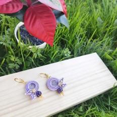 Regalo perfecto para la mujer moderna, pendientes soutache lila con piedra energetica